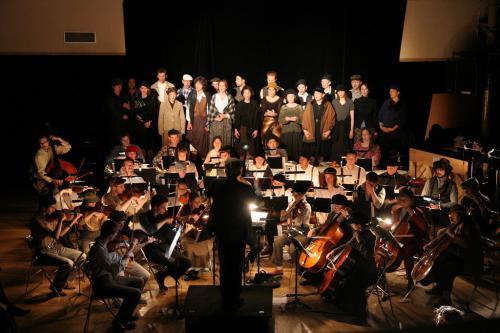 Spectacle Pas un clou ! - Coproduction Orchestre Universitaire, Théâtre Universitaire et Chorale Universitaire - 26 mai 2006