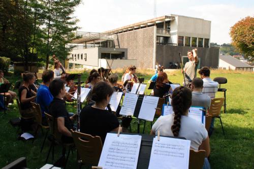 Répétition en plein air - campus de la Bouloie (Besançon) - 01 septembre 2013